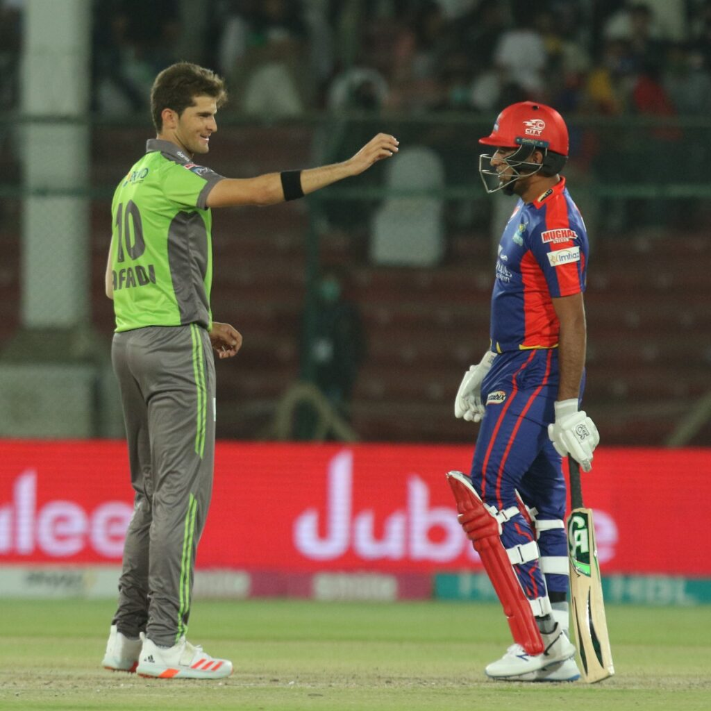 All-round Qalandars tame roaring Kings in PSL-6 entertainer 3